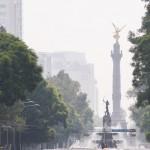 MÉXICO, D.F., 19JUNIO2014.- El cielo brumoso se ha intensificado debido a las lluvias de los ultimos días. La bruma es un fenómeno atmosférico, consistente en la suspensión de partículas diminutas de agua que limitan la visibilidad. FOTO: DIEGO SIMÓN SÁNCHEZ /CUARTOSCURO.COM