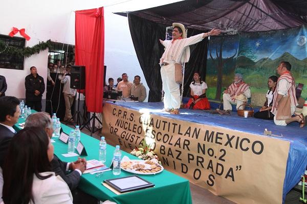 CUAUTITLçN MEXICO, ESTADO DE MƒXICO 25ENERO2011.-  Al filo del medio d'a se llev— a cabo la entrega de los premios al Concurso de Pastorelas Penitenciarias en el interior del penal de Cuautitl‡n. FOTO: LM ACEVEDO/CUARTOSCURO.COM