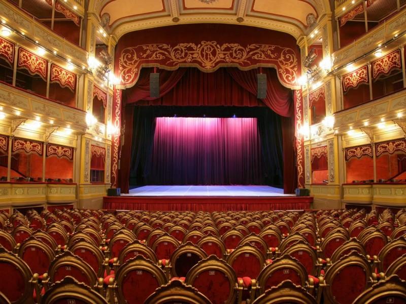 columna teatro