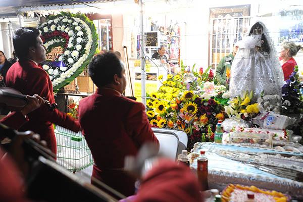 la Muerte, en el 13 aniversario del altar que se coloco en la calle de