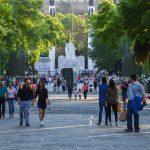 CIUDAD DE MÉXICO, 24MARZO2016.- Cientos de familias y turistas pasearon por las inmediaciones del Bosque de Chapultepec aprovechando el puente vacacional de Semana Santa.  FOTO: GALO CAÑAS /CUARTOSCURO.COM