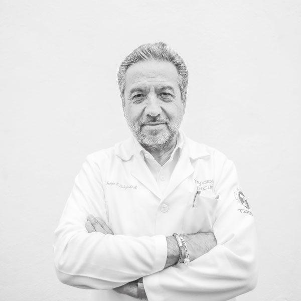 Felipe Edmundo Takajashi Medina, director del Instituto de Ciencias Forenses, antes Semefo. Foto: Lulú Urdapilleta
