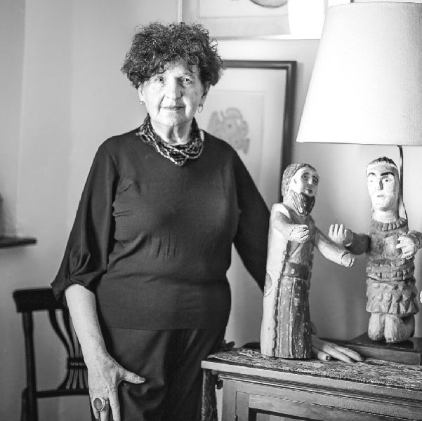 Margo Glantz en su casa de Coyoacán