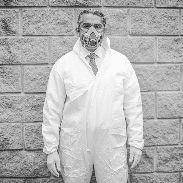 Donovan Tavera uno de los primeros especialistas en limpieza de escenas del crimen en la Ciudad de México. Foto, Lulú Urdapilleta