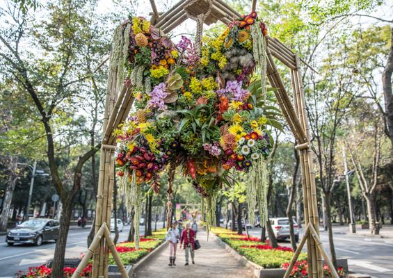 piñatas de flores