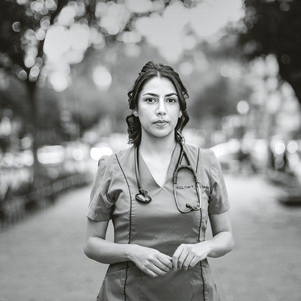 Paula Morán, especialista en Aves. Foto, Lulú Urdapilleta