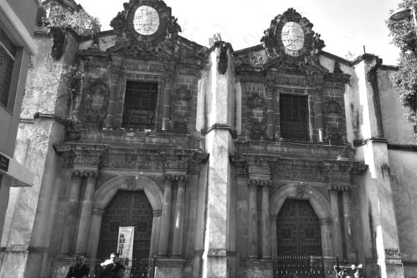 El convento de la Concepción alberga la leyenda de una mujer que se quitó la vida por desamor.